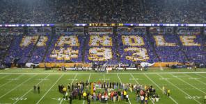 Minnesota-Vikings---Tony-Randall-Salute